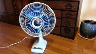 骨董レベルの我が家の扇風機♪お気に入りです♪
