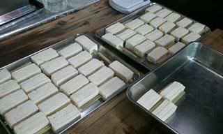 石浜神社さんの納涼大会での出店用の豆腐田楽作り♪