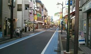ふと振り返った商店街。ここを歩くことはもうないんだろうな。。