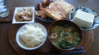 上村さんに頂いた油揚げとお豆腐を朝食で♪