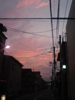 いい感じの一番暗いタイミングの夕焼け。